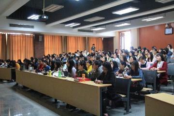 外国语学院举办毕业生就业宣讲